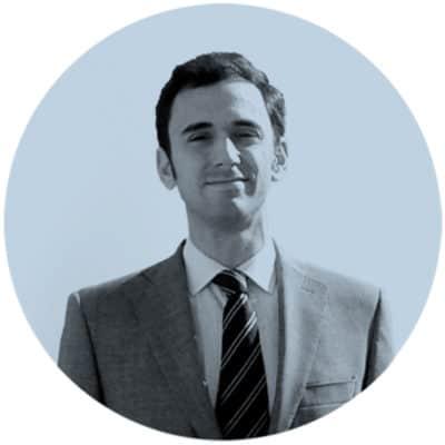 Fotografía de perfil del arquitecto Abelardo Linares del Castillo-Valero